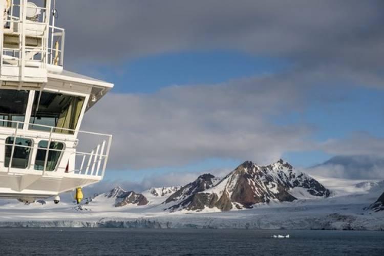Hurtigruten - mit dem weltweit ersten Hybrid-Expeditionsschiff